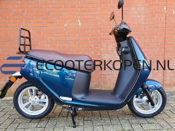 Blauwe Ecooter E2